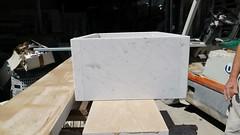 Vaschetta assemblata in marmo bianco