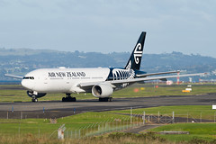 Air New Zealand Boeing 777 (Daniel Talbot) Tags: akl airnewzealand auckland aucklandairport aucklandregion b772 boeing boeing777 boeing777200 nzaa newzealand northisland teikaamāui zkokf aircraft airplane airplanes airport autumn aviation maker oceania plane season seasons transportation