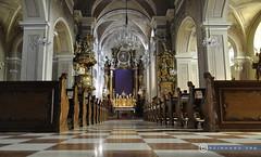 Niederösterreich Kirchberg a.Wagram_DSC0505 (reinhard_srb) Tags: niederösterreich kirchberg a wagram kirche st stephan beten glaube andacht messe kirchenschiff altar kreuz ostertuch lithurgie marmor