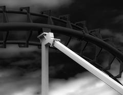 rollercoaster segment (MAICN) Tags: achterbahn technisch bw rollercoaster blackwhite monochrome geometrisch lines schwarzweis linien mono technical einfarbig 2019 geometry sw