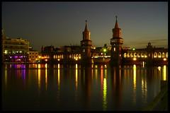 Berlin (tingel79) Tags: streetart atnight nachtfotografie nachtaufnahme sony sonya6500 berlin architektur stadt world architecture spree lights photography photographie outdoor