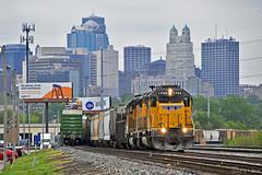 Eastbound Transfer in Kansas City, MO (Grant Goertzen) Tags: up union pacific railroad railway locomotive train trains east eastbound transfer freight emd power engine kansas city missouri