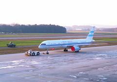 Republica Argentina Boeing 757-23A; T-01@ZRH;03.02.1996 (Aero Icarus) Tags: zrh zürichkloten zurichairport zürichflughafen lszh plane avion aircraft flugzeug negativescan