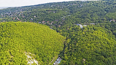 Zugliget (QuetzalLife) Tags: budapest buda drone dji dronephoto mycity goodweather nature green hill