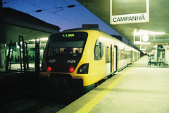 UME 3424 II (Tiago Alves Miranda) Tags: caminhodeferro railways cp comboiosdeportugal ume 3400 3424 suburbano estação station portocampanhã pca linhadominho portugal tiagoalvesmiranda