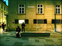 P5020895-B_fl - dreinsam (gemischtersatz) Tags: stephansplatz innerestadt wieni wien vienna österreich austria at mirrorless mft olympus mzuiko olympusem10iii mzuiko4542mmf3556ez cross