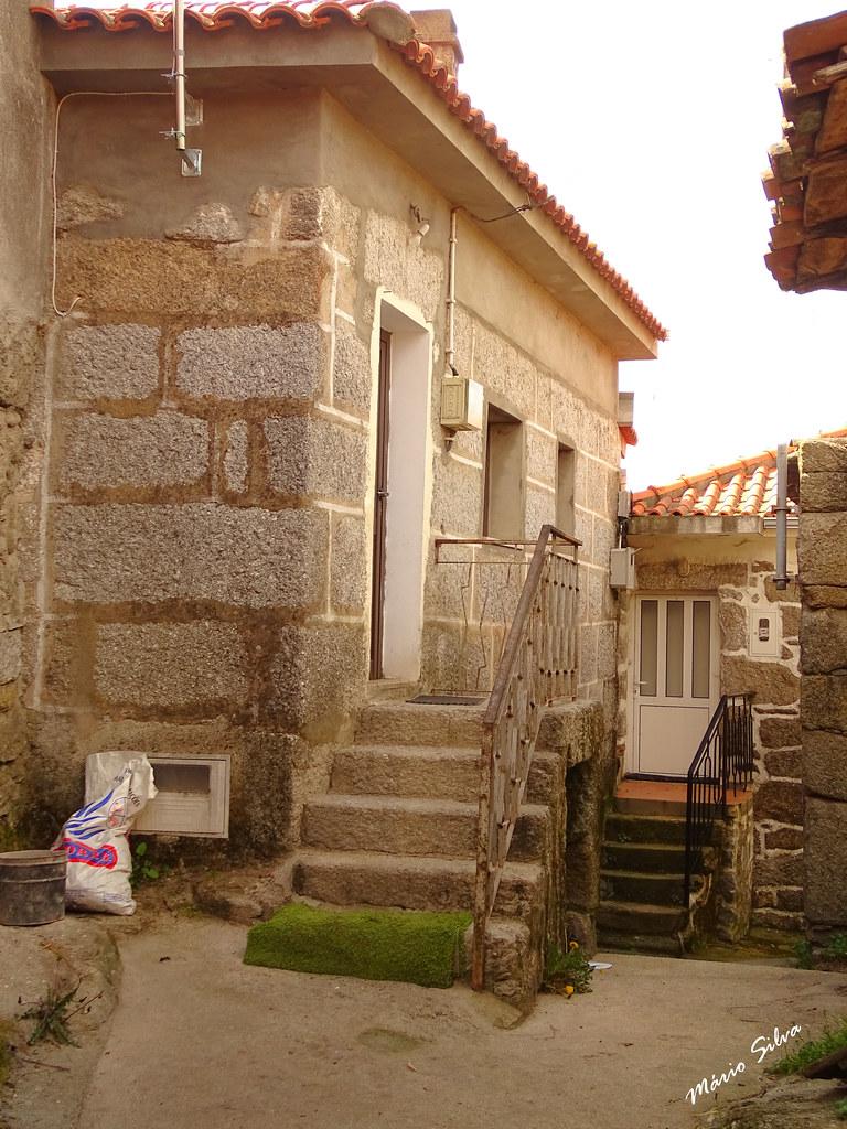 Águas Frias (Chaves) - ... casa na Aldeia na Lampaça ...
