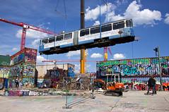 Neue Heimat alter Viehhof: Das alternative Kunstzentrum beheimatet seit Donnerstag den 2005 ausgemusterten p-Beiwagen 3010 (Frederik Buchleitner) Tags: 3010 bahnwärterthiel beiwagen munich münchen pwagen strasenbahn streetcar tram trambahn viehhof