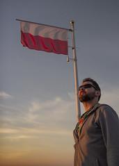 (20/30) Bohater (ponzoñosa) Tags: polska polonoa poland krakow cracovia erasmus brother hermano heroe historia flag bandera