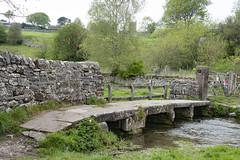 Clapper Bridge, Youlgrave (Kingsley_Allison) Tags: youlgrave peakdistrict derbyshire bakewell riverbradford walkers ramblers clapperbridge water watercrossing nikon d7200 bradforddale