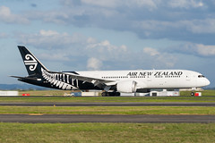 Air New Zealand Boeing 787 (Daniel Talbot) Tags: akl airnewzealand auckland aucklandairport aucklandregion b789 boeing boeing787 boeing7879dreamliner nzaa newzealand northisland teikaamāui zknzl aircraft airplane airplanes airport autumn aviation maker oceania plane season seasons transportation