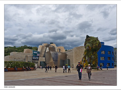Guggenheim Bilbao unter Wolken (dolorix) Tags: dolorix spanien spain baskenland basquecountry bilbao museum guggenheim architekt frankogehry