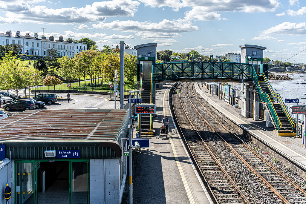 SALTHILL AND MONKSTOWN TRAIN STATION [DART SERVICE]-152123