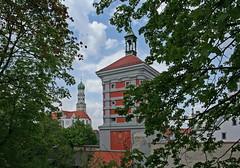 Augsburg: Rotes Tor und Ulrichskirche (Wolfgang Bazer) Tags: rotes tor ulrichskirche basilika st ulrich und afra elias holl stadttor city gate augsburg schwaben swabia bayern bavaria deutschland germany