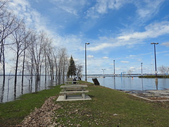 A photo of the Ottawa River's spring thaw flood overwhelming the marina in Aylmer (Gatineau), Quebec (Ullysses) Tags: aylmermarina aylmer gatineau quebec canada spring printemps springthaw flood flooding inondation ottawariver rivièredesoutaouais
