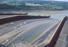 Itaipu Spillway (vincenzooli) Tags: fujiprovia nikonf6 film parana river