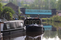 Swiftcraft Moorings (jdathebowler Thanks for 4 Million + views.) Tags: swiftcraftmoorings leedsliverpoolcanal canalandrivertrust canal canalsystem canaltowpath canaltransport waterway waterscape westyorkshire barges calverleycuttingbridge bradford