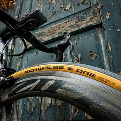 Schwalbe One (Torsten Frank) Tags: 404 404firecrest bergischesland canyon deutschland elemnt eingang fahrrad laderampe laufrad nordrheinwestfalen one radcomputer radfahren radsport reifen rennrad schwalbe schwalbeone ultimatecfslx wahoo wuppertal zipp bike bicycle tyre rim wheel cycling