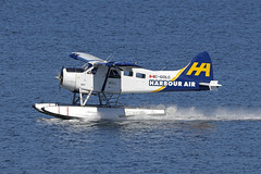 C-GOLC, DHC-2 Beaver, Vancouver Harbour (ColinParker777) Tags: dehavilland otter float plane floats seaplane aircraft airliner aviation fly flying airplane aeroplane amphibious amphibian harbour air canada vancouver cxh cyhc harbor aerodrome water sea ocean reflection approach flight canon 5dsr 5ds 100400 lens zoom telephoto pro mk2 mkii spotting planespotting splash cgolc dhc2 beaver piston radial 221