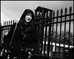 Hooded Photographer (NickD71) Tags: fuji fujifilm xt1 mirrorless csc xf x series xf1855 classic chrome film simulation snapseed london united kingdom mono monochrome street candid people greenwich daily life hoodie hoody hood camera tourist fence railings