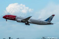 [CDG] Norwegian Boeing 787-9 Dreamliner _ LN-LNX (thibou1) Tags: thierrybourgain cdg lfpg spotting aircraft airplane nikon d810 tamron sigma norwegian boeing boeing787 b787 b7879 dreamliner carlvonlinné landing lnlnx b789 takeoff