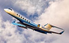 MSP N607CV (Moments In Flight) Tags: minneapolisstpaulinternationalairport msp kmsp n607cv gulfstream g550 g5 sunset clouds privatejet