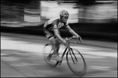 Serious cyclist (hej_pk / Philip) Tags: fujifilm fuji xpro1 xp1 fujixpro1 gwangju kwangju sydkorea fujinon xf35mmf2wr fujinonxf35mmf2wr 35mm525mm fujinonxf35mmf2rwr cykel cyklist bicycle cyclist panning panorering