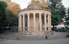 Κέρκυρα, το Περιστύλιο του Μαίτλαντ (Corfu, Maitland Colonnade). (Giannis Giannakitsas) Tags: greece grece griechenland κερκυρα corfu maitland colonnade