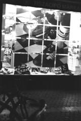 Tisza cipő (lumpy79) Tags: praktica mtl5 helios44m 258 ilford hp5 400 1600 tisza cipő budapest blackandwhite bw feketefehér push window