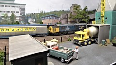 37057 Pulls Out Of Alford Yard. (ManOfYorkshire) Tags: alfordyard scale 176 oogauge model railway layout show 2019 neepsend sheffield exhibition britishrail class37 37057 cargowaggon largelogo industrialestate nuclear terminal cement works