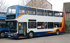 Stagecoach Fife (Rennies) 18056 KX53VNG in between duties at Cowdenbeath Depot. (Gobbiner) Tags: plaxton 18056 rennies stagecoachfife president kx53vng brookesbus trident transbus oxford