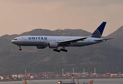 United Airlines Boeing 777-222(ER) N784UA (EK056) Tags: united airlines boeing 777222er n784ua hong kong chek lap kok airport