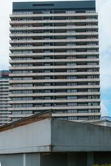 The bow (frankdorgathen) Tags: city urban banal mundane alpha6000 sonyzeiss24mm zeiss24mm ruhrpott ruhrgebiet mülheimanderruhr architecture architektur gebäude building skyscraper hochhaus highrise