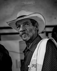 Rostros palmas 8 (Fran Orozco Fotografía) Tags: photo photos photography photographs foto fotos fotografía fotografías fotógrafo nikon dslr colombia 50mm ilovephotography portrait blackwhite people