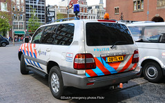 Dutch police Toyota Land Cruiser (Dutch emergency photos) Tags: politie police polizei polit politi politia politiet polis polisi polisie polisia polici policie policia nederland nederlands nederlandse netherlands netherland dutch emergency photo photos foto fotos nl 999 911 112 blauw licht blue light lightbar lichtbalk lichtbak amsterdam vehicle vehicles voertuig voertuigen policevehicle policevehicles politievoertuig politievoertuigen hulpverlening hulpverlenings hulpverleningsvoertuig toyota land vruiser landcruiser klpd 08tlvv