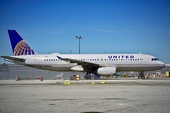 United Airlines 1994 Airbus 320 N408UA c/n 457 on the ramp San Francisco Airport 2019. (17crossfeed) Tags: unitedairlines unitedexpress airbus 320 319 380 sfo sanfranciscoairport sfoov airport aviation aircraft airplane flying flight landing lufthansa claytoneddy 17crossfeed americanairlines southwestairlines deltaairlines flightattendant pilot planes planespotting p51
