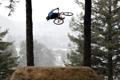 Airborne (Magryciak) Tags: crankworx rotorua 2019 northisland canon eos slopestyle jump competition sport mountainbike cycling bicycle mtb mountain extreme rider forest trees dirtjump town city buildings above airborne platinumheartaward