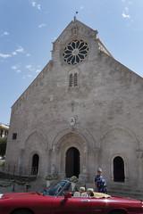P1000679 (sara_babusci) Tags: ruvodipuglia puglia italia italy church chiesa woman donna car macchina red rossa summer estate sarababusci sud south
