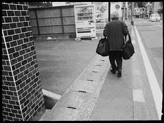 Her baggages (U-ichiro1003) Tags: street snap iphonese hipstamatic