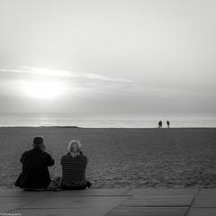 2+2 (fhenkemeyer) Tags: bw sun sky water people netherlands denhaag scheveningen square sunset beach 35mm