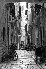 deserted alley in Rovinj (greg luengen) Tags: street blackwhite schwarzweiss schwarz wei´ss weiss kopfstein alley bike bicycle fahrrad old country croatia kroatien rovinj holiday urlaub sonyalpha nex6