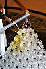 IMG_9633 (7351cisco) Tags: grapes champagne glass tower pyramid splash
