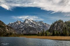 Almsee mit Schilf und Wolken (AnBind) Tags: totesgebirge upperaustria salzkammergut almtal almsee berge oberösterreich ausflug 2019 bergsee see ngc