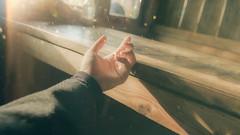 조용한 (Nas-Photographer) Tags: nikon nikond750 tamron tamron2470g2 yellow flare bokeh nasphoto dyuha myhand love lost 5014d hope dalat 2019 dalas dalat2019 dark light