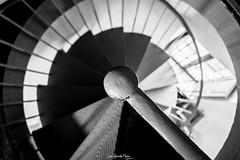 Geometría (-juanfernando-) Tags: geometría escaleradecaracol circulo