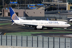 United Airlines | Boeing 737-900ER | N38458 | San Francisco International (Dennis HKG) Tags: aircraft airplane airport plane planespotting staralliance canon 7d 100400 sanfrancisco ksfo sfo united unitedairlines ual ua usa boeing 737 737900 boeing737 boeing737900 737900er boeing737900er n38458