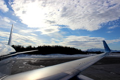 TUI fly Belgium - Harstad/Narvik Airport (EVE), Norway (Hannah Janssens) Tags: tui fly airplane aeroplane wing aviation norway airport harstad narvik eve evenes plane nature horizon sunrise flight b767300 boeing oojnl