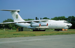 76323 - Melitopol Air Base (OOX) 27.05.2002 (Jakob_DK) Tags: il76 il76md ilyushin ilyushinil76 il76candid ilyushin76 ilyushin76md ilyushinil76md cargo ukdm oox melitopol melitopolairbase ukrainianairforce 2002 76323