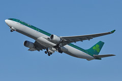 EI-GCF (Rich Snyder--Jetarazzi Photography) Tags: aerlingus shamrock ein ei airbus a330 a330300 a330302 a333 eigcf takeoff departure departing sanfranciscointernationalairport sfo ksfo millbrae california ca airplane airliner aircraft jet plane jetliner