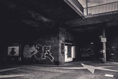 Atelier am Brückchen (Diggoar) Tags: atelier bridge underthebridge düsseldorf city cityscape cityview decay fujifilm xpro2 xf23mmf2 blackandwhite urban urbanlandscape stars graffiti bw